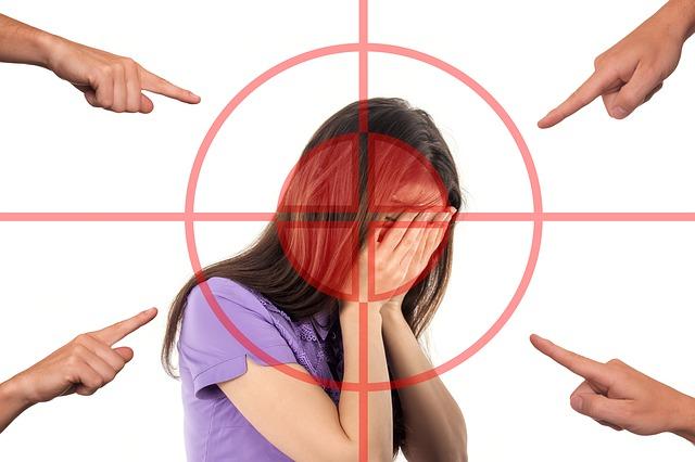 šikana ženy