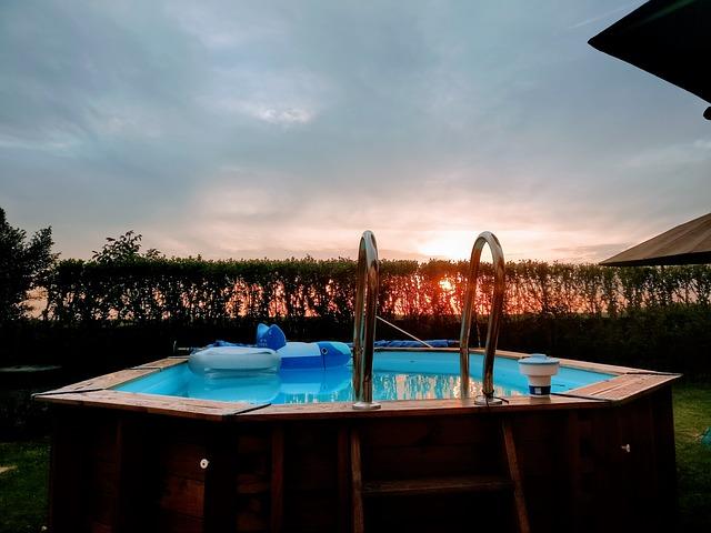 bazén ze dřeva.jpg
