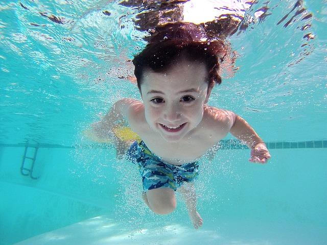 koukání pod vodou